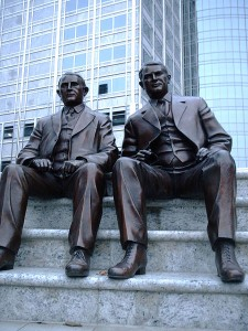 Statue of the Mayo Brothers (Photo: Jonathunder, Wikimedia Commons)